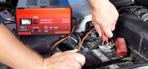 Guida alla scelta del miglior caricabatterie per auto