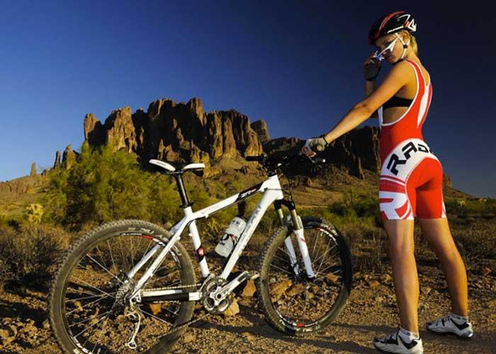 MUBODO Set da Ciclismo Invernale a Manica Lunga Termico con Pantaloni Imbottiti in Gel per Bici da Corsa